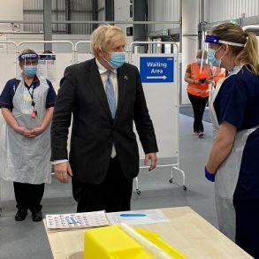 Prime Minister visits Tunstall COVID-19 Vaccination Centre