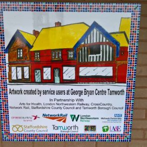 Art spreads happiness at Tamworth Station